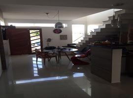 Casa duplex 3 quartos na região do Estádio Douglas Campos Henriques  - Veja Casas