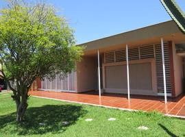 Casa em excelente rua comercial Luciana Boutique dos Imoveis - Veja Casas